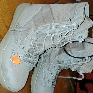 Brand new Millitary boots (Jrotc)